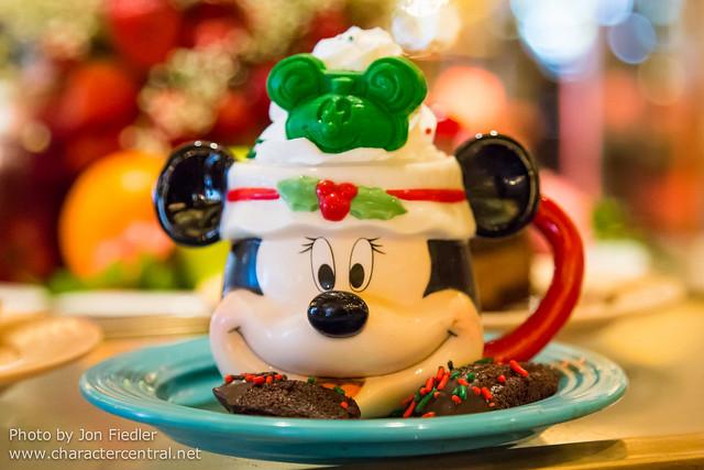 Disneyland Dec 2012 - Lunch at Plaza Inn