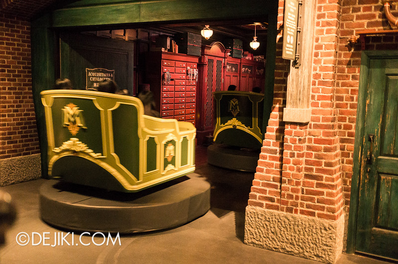 Mystic Manor - Loading Area 6 / Going into Show