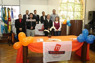 Comissão provisória de Rio Grande com o líder estadual do Solidariedade, Cláudio Janta