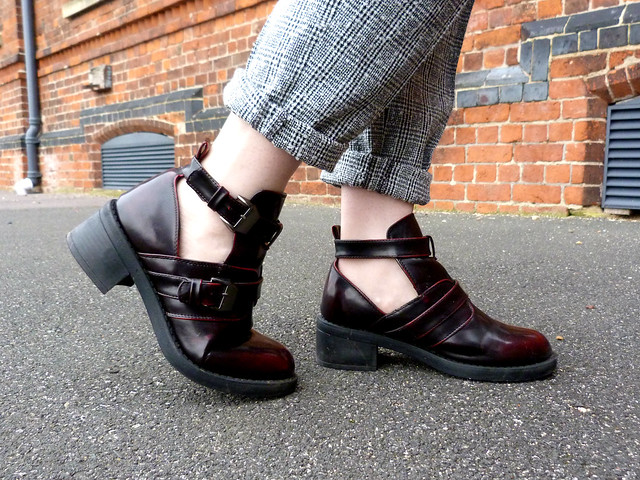 ASOS Swap Shop picks | Cut out maroon boots | full length outfit shot