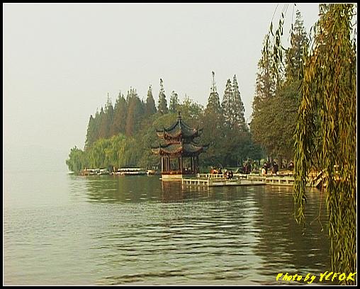杭州 西湖 (其他景點) - 526 (西湖十景之 柳浪聞鶯 在這裡準備觀看 西湖十景的雷峰夕照 (雷峰塔日落景致)