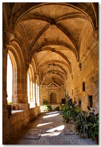 Claustro do convento de San Benito by VRfoto