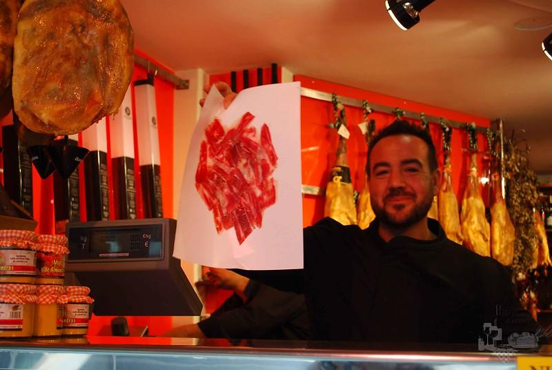 José Luis Romero con el corte de jamón.
