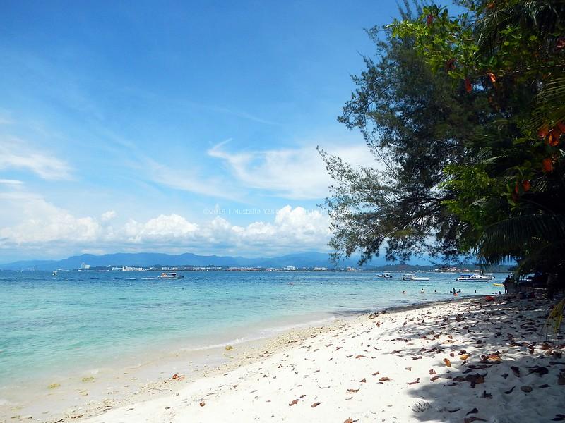 13718528563 f759a550f7 c PADI Discover Scuba Diving Di Pulau Mamutik, Sabah