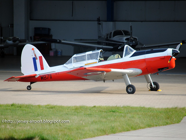 G-APPM WB711 De Havilland DHC-1 Chipmunk