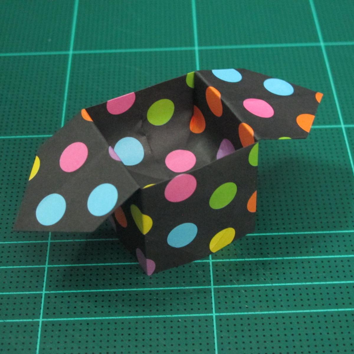 การพับกระดาษเป็นถุงใส่ขนมแบบญี่ปุ่น (Origami Sambo) 014