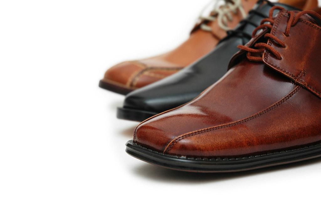 Cách khắc phục sự cố ở giày cho quý ông