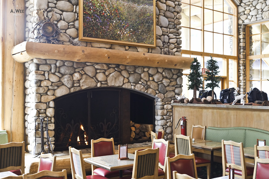Warm Springs Lodge interior