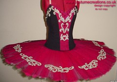 FUSCHIA/BLACK TUTU
