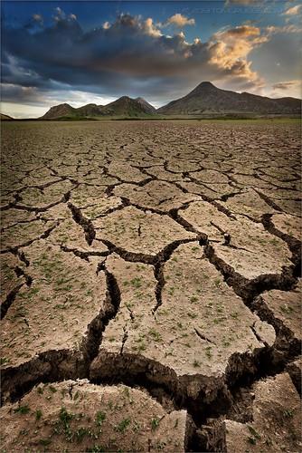 california storm clouds landscape desert earth perspective drought crackedearth sanjacintowildlifearea focusblend