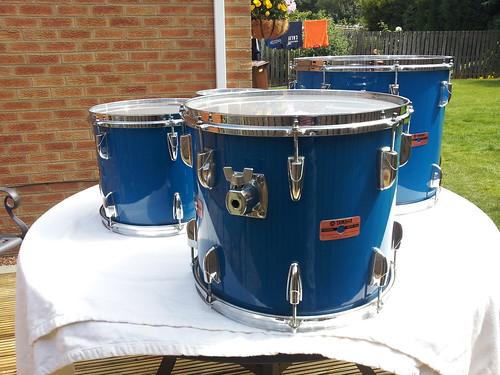 Yamaha 8000 tour custom drum kit in cobalt blue finish ebay for 14x12 floor tom