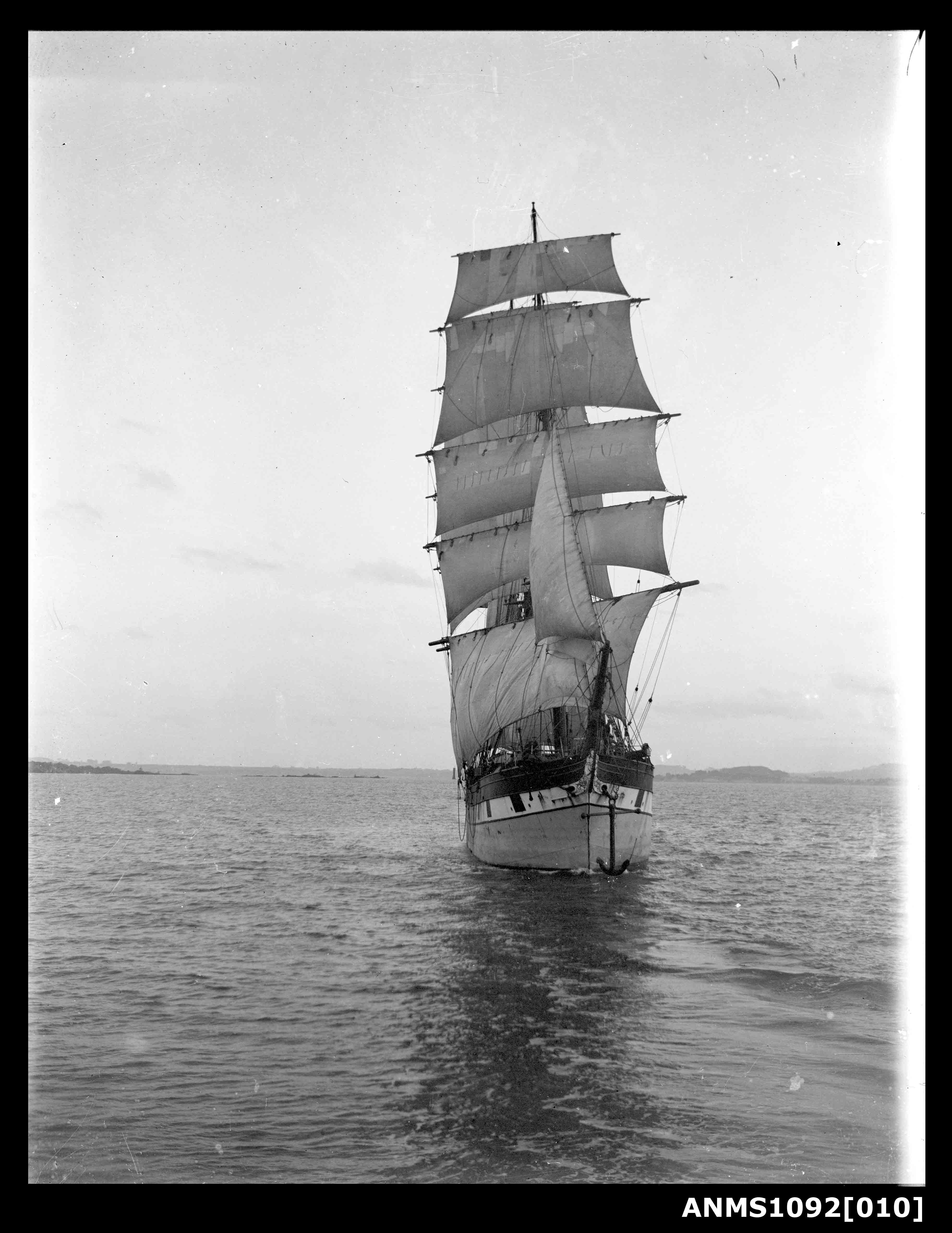 RAUPO with sails set and underway