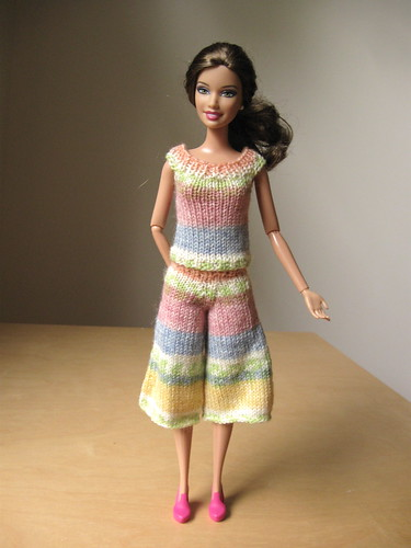 Barbie knitting