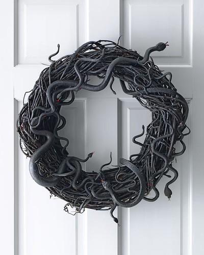 halloween crafts, halloween wreath, spooky, crafts