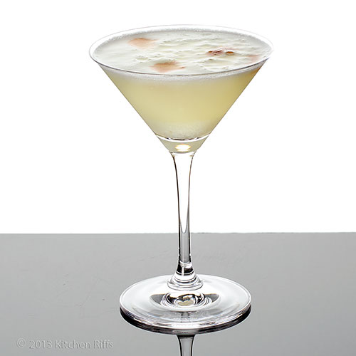 Pisco Sour Cocktail in cocktail glass