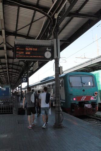 Comprando bilhete de trem na Itália