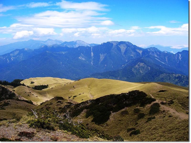北合歡山東北眺望中央山脈