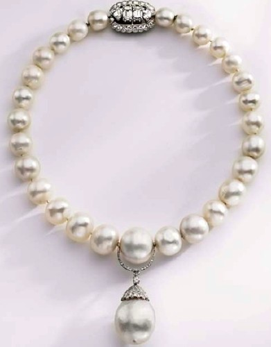 Duchess of Windsor (originally belonging to Queen Mary) natural pearl and diamond necklace by Cartier