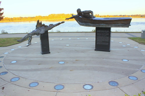 Tom Lee Memorial (Standard View) - Memphis Riverfront