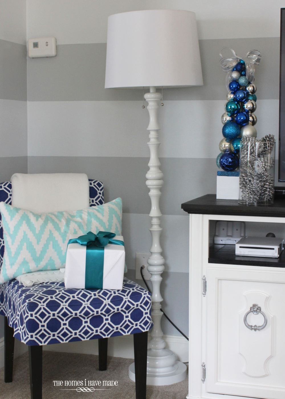 Holiday Living Room 2013-017