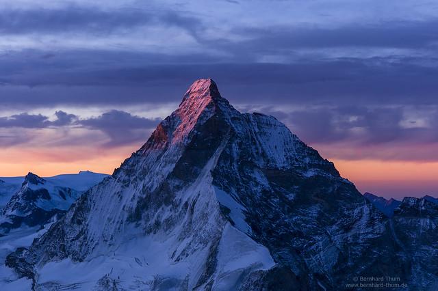Matterhorn from southern crest of Dent Blanche with a bit more sunlight