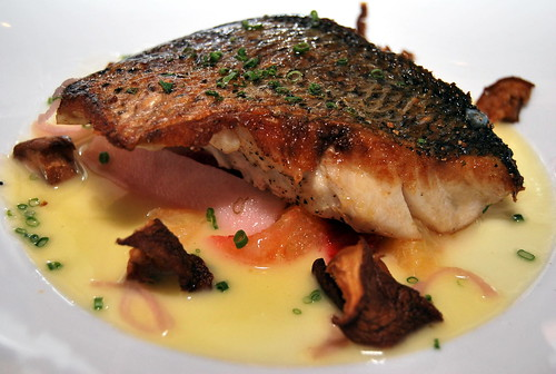 Crispy Sea Bass with Lemon Butter Sauce-001