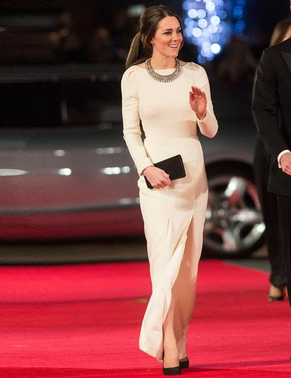kate-middleton-december-royal-mandela-long-walk-to-freedom-2013-getty_Zara dress e necklace