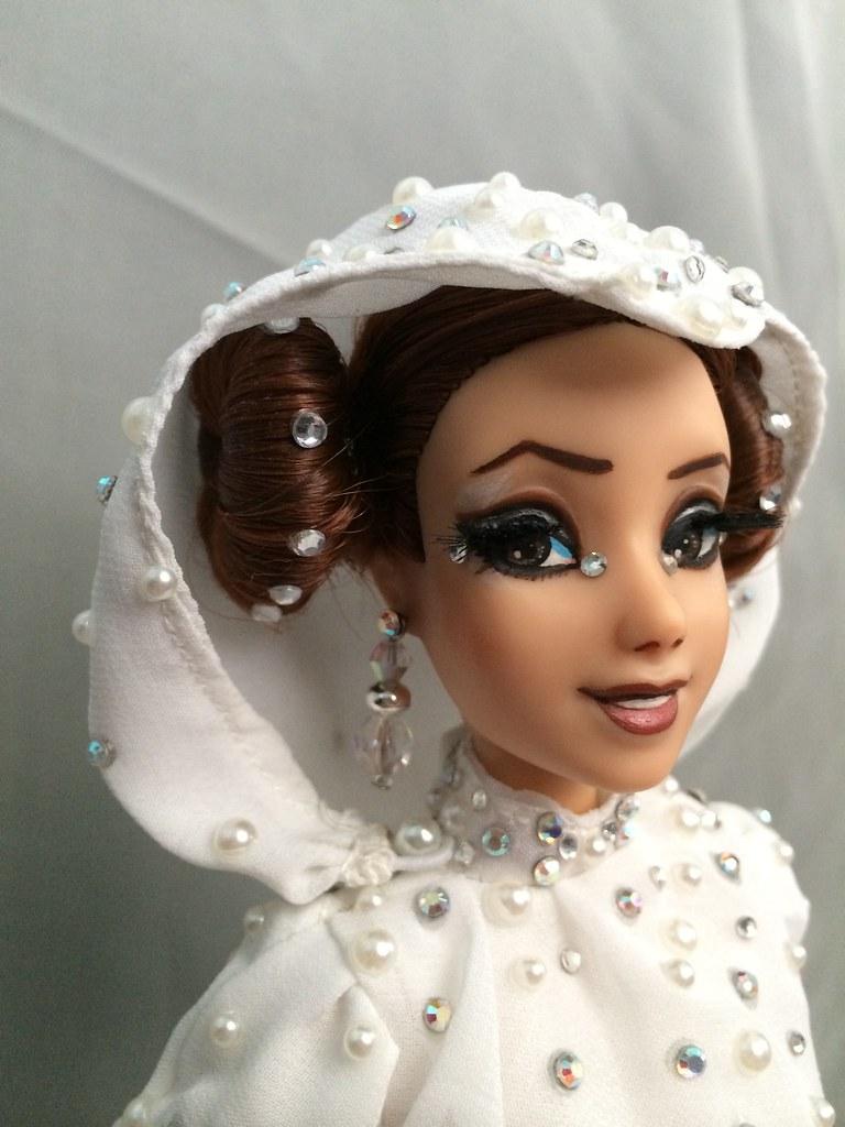 Store Princess Leia Doll
