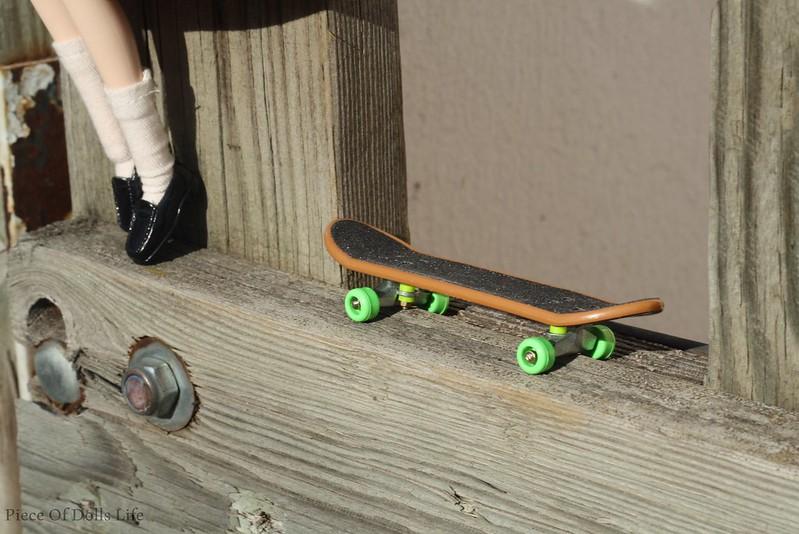 Miru's new skateboard