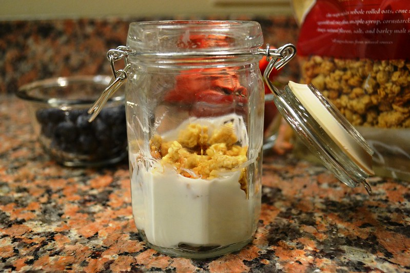 Mason jar yogurt parfait