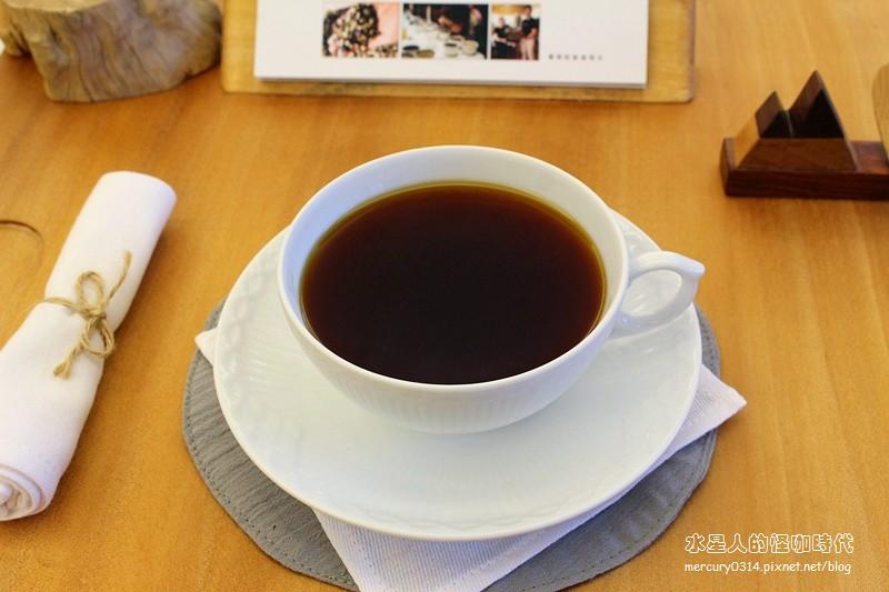 20058034571 9ce5bfc793 b - 熱血採訪。台中大坑【OKLAO 歐客佬咖啡農場】喝到寮國啤酒口味的創意咖啡,咖啡甜點舒適氛圍,爬山後放鬆的早午茶時刻,全系列藝伎咖啡買一送一(活動期間7/29-8/9)