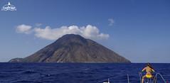 stromboli-vela-catamarano-vacanza