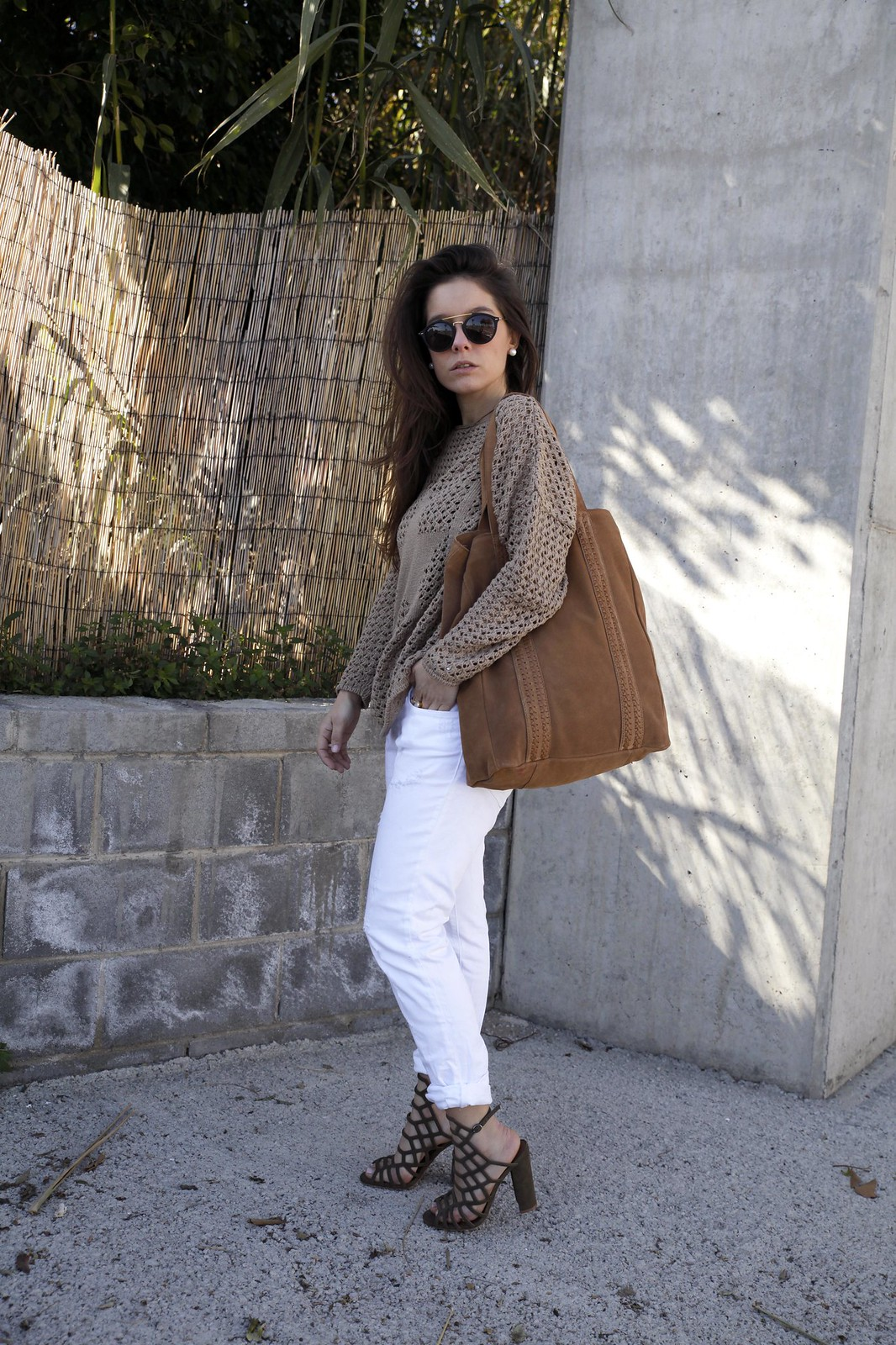 06_SPRING_NEUTRAL_OUTFIT_STREET_STYLE_FASHION_BLOGGER_INFLUENCER_BARCELONA_THEGUESTGIRL