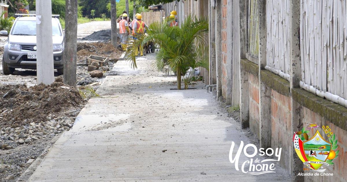 25% tiene de construcción calle Los Pinos en Chone