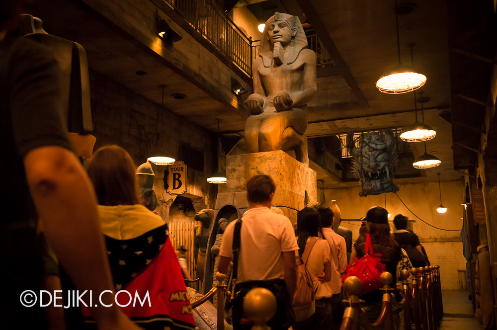 Tokyo DisneySea - Tower of Terror / The secret storage chamber 5 / egyptian statues