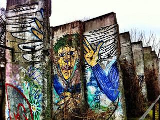 Porciones en un parque de Berlín Muro de Berlin, viajero mundial por la paz - 9700898960 17ae510e9e n - Muro de Berlin, viajero mundial por la paz