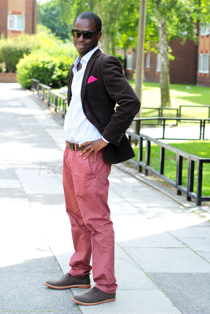 chocolate brown blazer, chocolate brown blazer & chinos, dark brown blazer, brown blazer, chinos, Pale violet red chinos