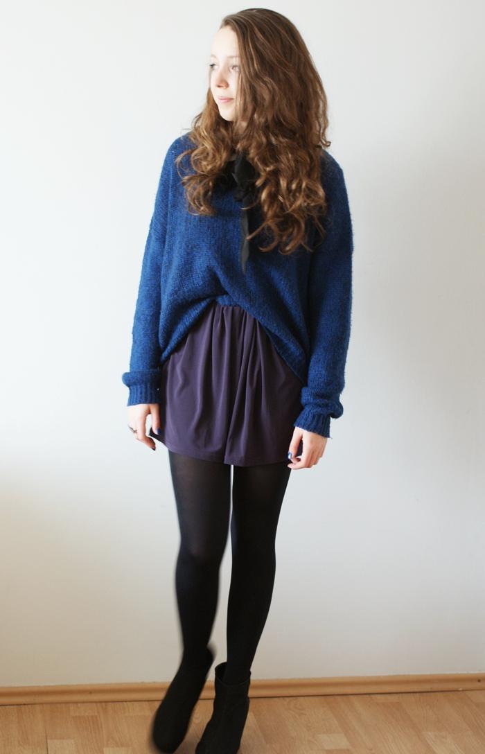 sweter w połączeniu ze spódnicą