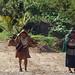 Carrying firewood - Cargando la leña; entre Corralito y Ocosingo, Chiapas, Mexico por Lon&Queta