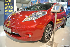 automobile(1.0), automotive exterior(1.0), vehicle(1.0), nissan leaf(1.0), automotive design(1.0), auto show(1.0), electric car(1.0), city car(1.0), nissan(1.0), land vehicle(1.0), hatchback(1.0),