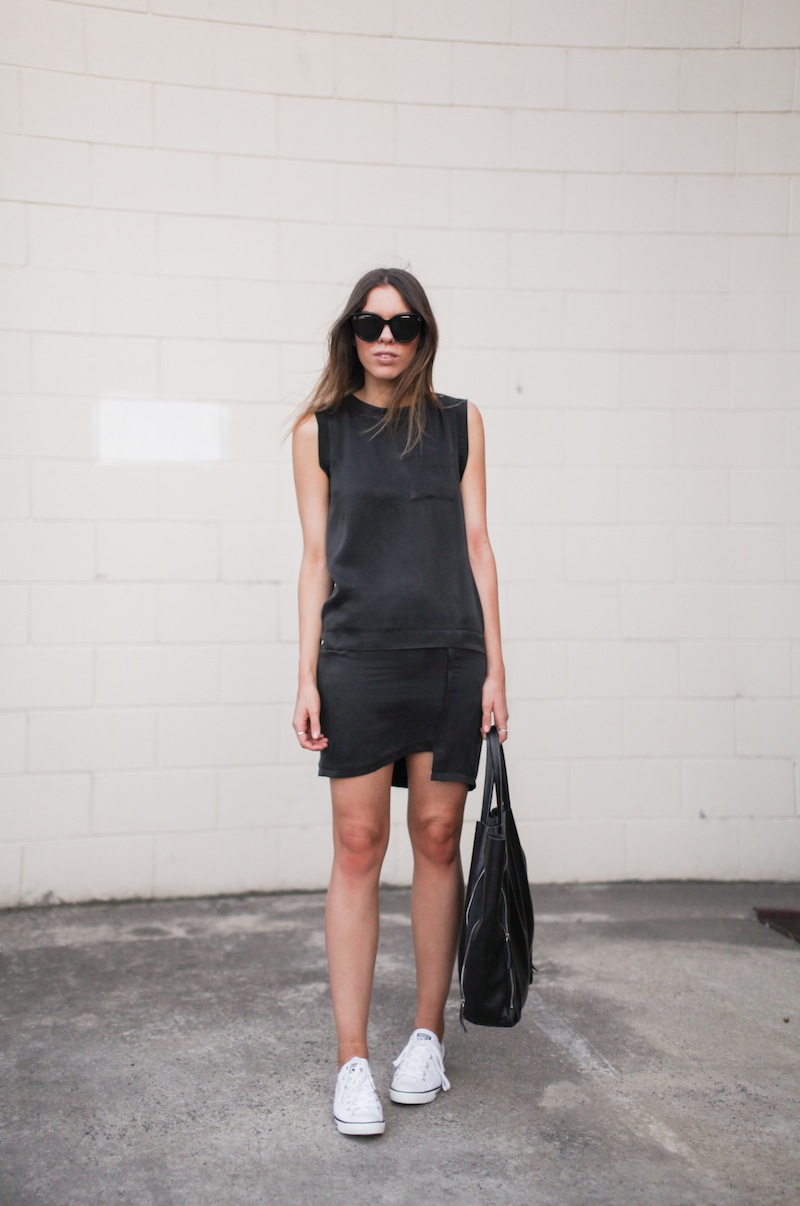 modern legacy fashion blog style blogger australia toi et moi dress converse dainty all star street style lbd trainers sneakers (8 of 8)