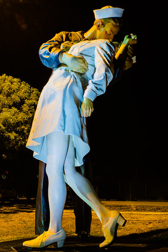 Sideview: Unconditional Surrender, Public Art in Sarasota, The Kiss