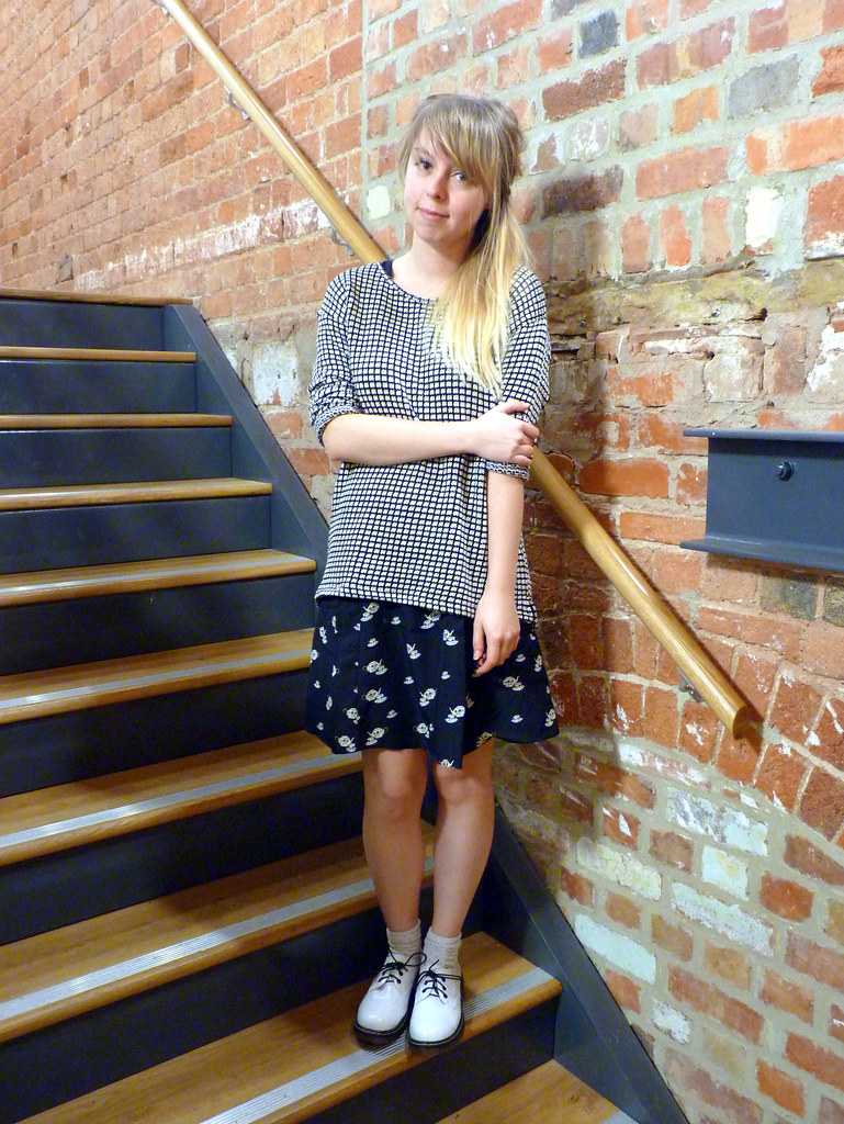 Tea cup dress and Next jumper | Sheffield Fashion Blogger | Outfit post