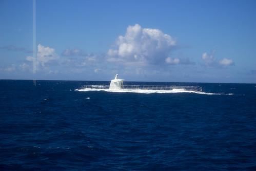 潜水艦浮上!
