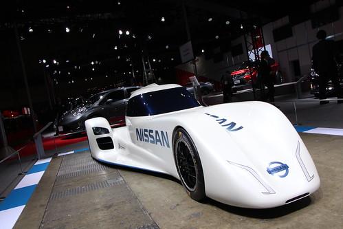 電力駆動レーシングカー「Nissan ZEOD RC」