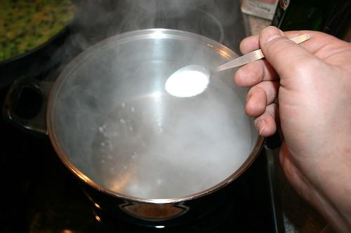 27 - Wasser salzen / Salt water
