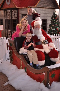 Hershey_ChocWorld_Santa_2013-12-24