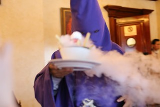 cucurucho-dressed waiter serving ice cream, plaza grande hotel cafe