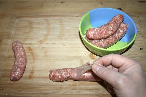 06 - Bratwurst enthäuten / Skin bratwurst