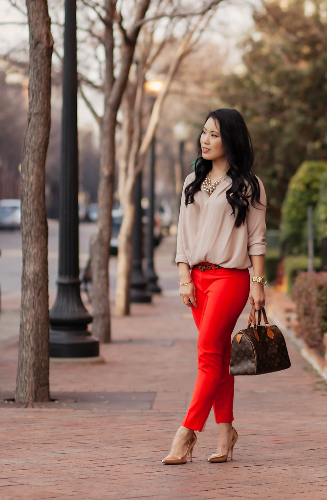 New  Wearing Wide Legged Pants  Business Casual Young Women And Peplum